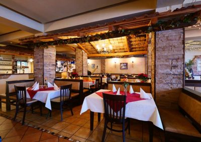 Innerhalb der Taverna Corfu